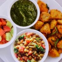 Fried Idli, Ghugni Chaat