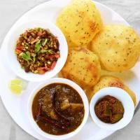 Club Kachori, Aloo Ki Sabji, Green Sprouts Salad